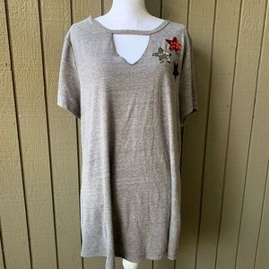 Lane Bryant NWT  Keyhole Sequin Stars Top in Gray